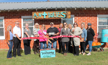 Brownwood Chamber Holds Ribbon Cutting for Junk & Disorderly Antiques