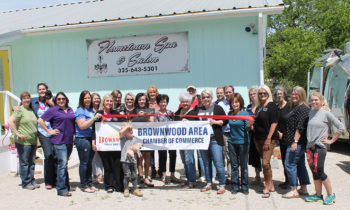 Brownwood Chamber Holds Ribbon Cutting for Hometown Spa & Salon