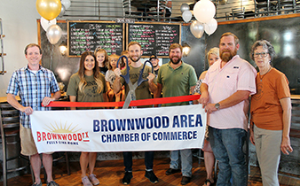 Brownwood Chamber Holds Ribbon Cutting for Pioneer Tap House